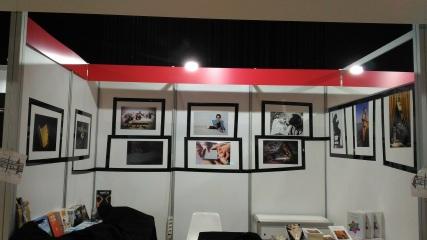 Expo fotografica Mille modi di leggere a cura di G Mearelli Nuvola dicembre 2017 stand Lepisma Edizioni